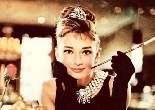 "Audrey Hepburn în ""Breakfast at Tiffany's"""